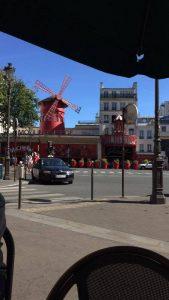 11.40 Paris Moulin Rouge