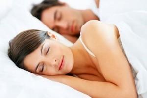 cuplu-dormind