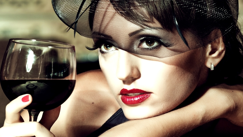 Bunele maniere: cum se consuma corect bautura