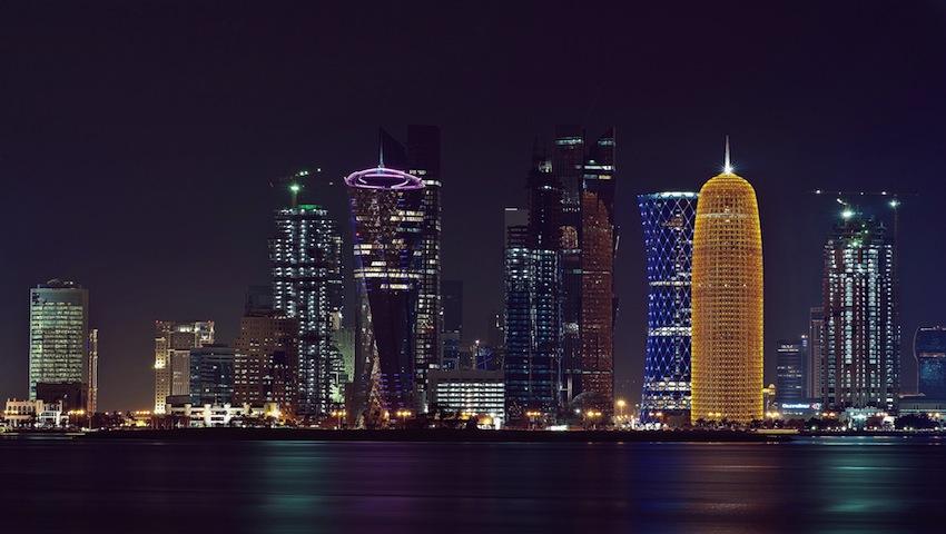Emirul vizionar din Qatar se retrage de la guvernare în favoarea fiului său