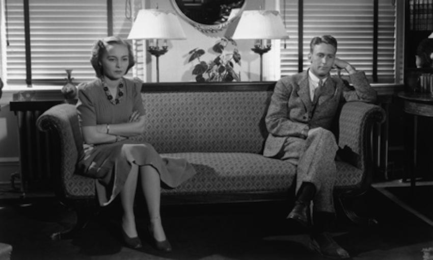 """Dan Ghenea:Televiziunea """"simplifica"""" existenta"""