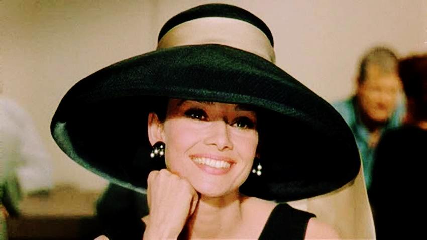 Audrey Hepburn: copilaria chinuitoare a unei vedete de la Hollywood